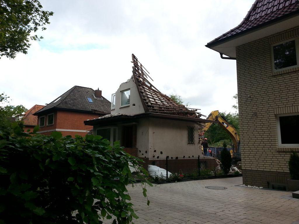 Der Dachstuhl ist problemlos in sich zusammengebrochen