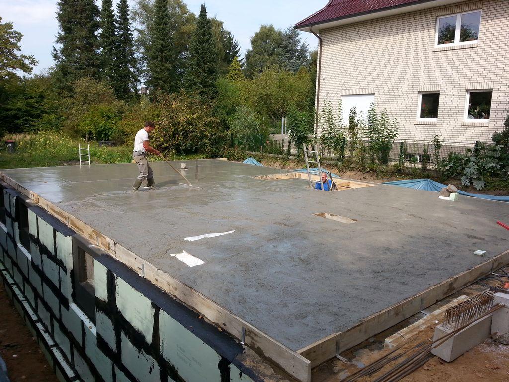 Curling unter verschärften Bedingungen, Vorsicht mit den Löchern!
