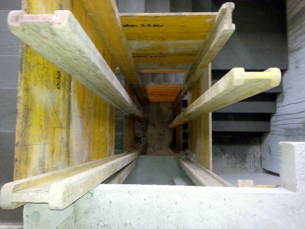 Das Treppenauge, ganz unten ist der EG-Fußboden